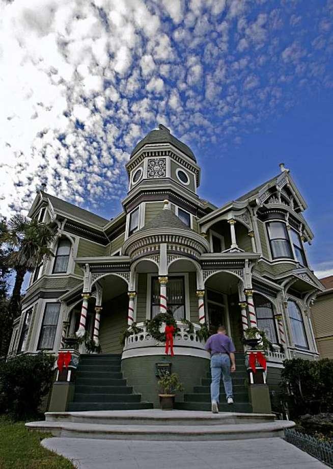 Alameda Victorian house